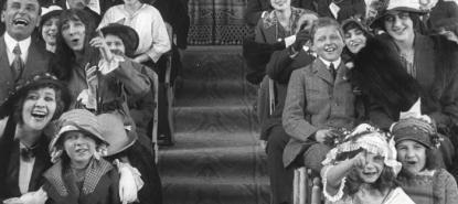 Vignette spectateurs réagissant à un film de cinéma